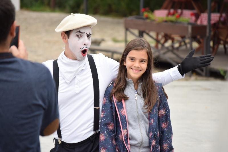 Pantomima izlazi na ulicu 13