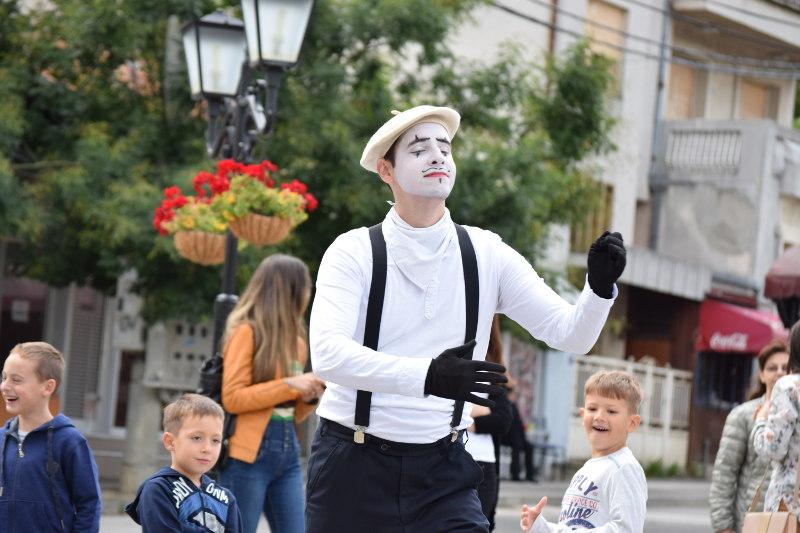 Pantomima izlazi na ulicu 14