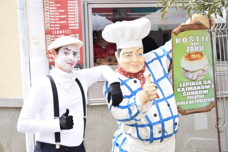 Pantomima izlazi na ulicu 7
